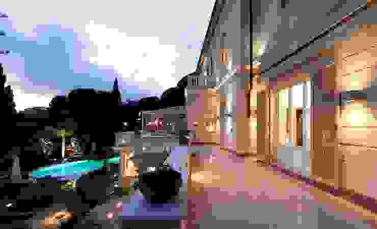 Casas modernas de studiodonizelli Moderno