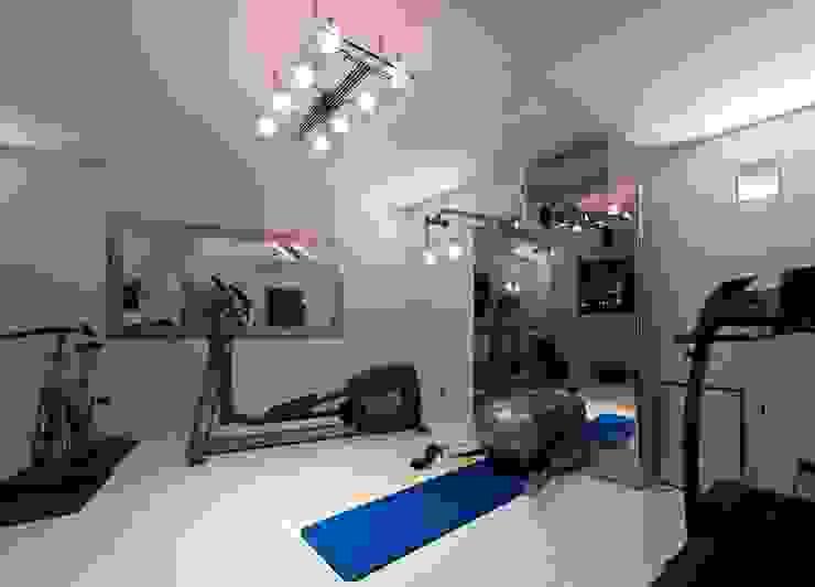 Moderne fitnessruimtes van studiodonizelli Modern