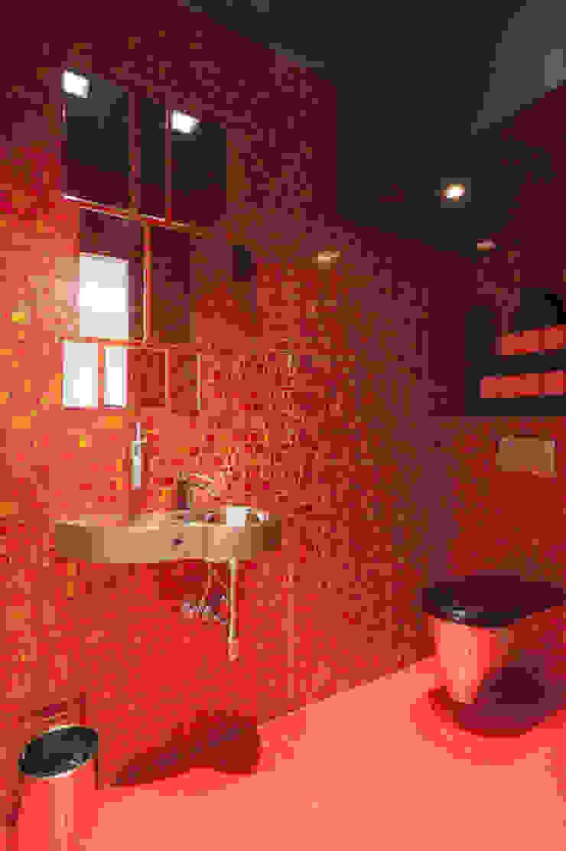 Casa Joe - bagno ospiti Bagno moderno di studiodonizelli Moderno