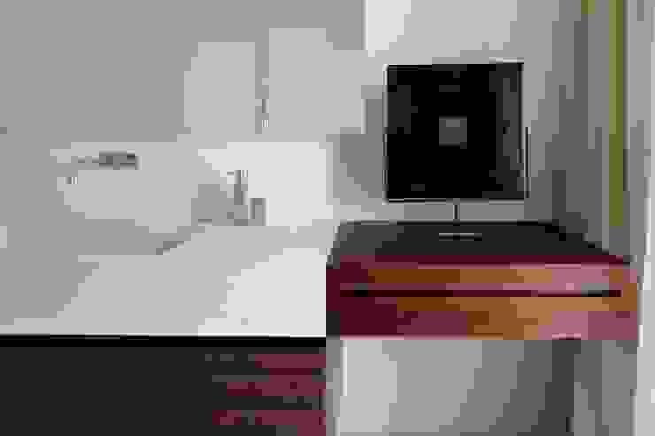 bagno padronale Bagno moderno di ANG42 Moderno