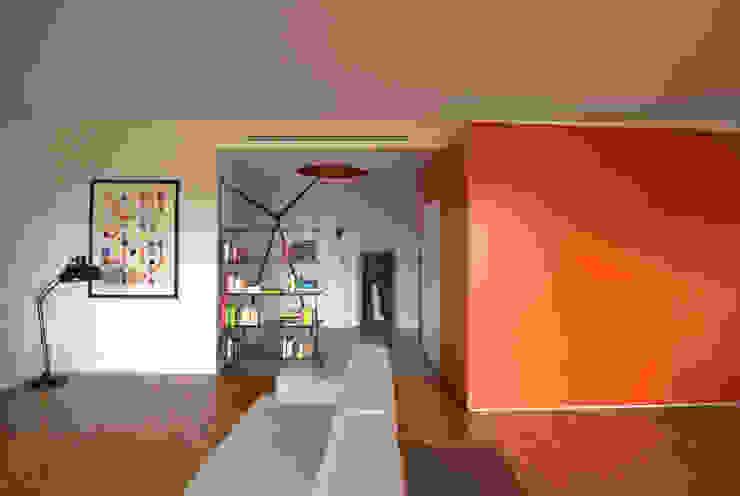 BLOCCO DI COLORE Case moderne di Giulietta Boggio archidesign Moderno