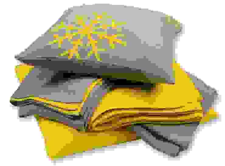 Snowflakes - Schneekristalle auf Decken & Kissen: modern  von Lenz & Leif,Modern