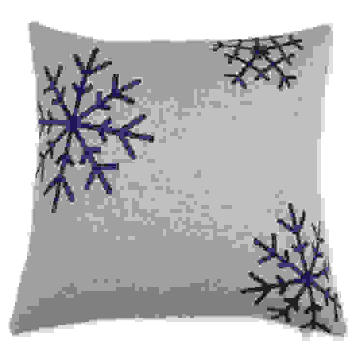 Snowflakes - Schneekristalle auf Kissen: modern  von Lenz & Leif,Modern