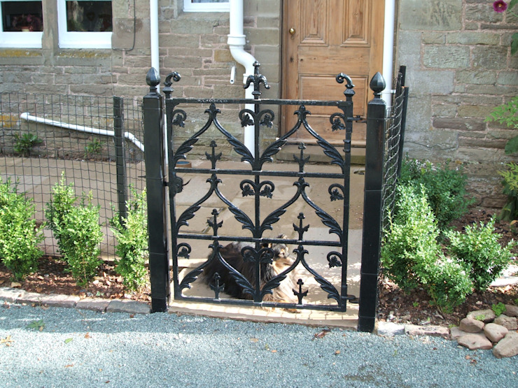 Wrought Iron Metal Garden Gate Classic style garden by Unique Landscapes Classic