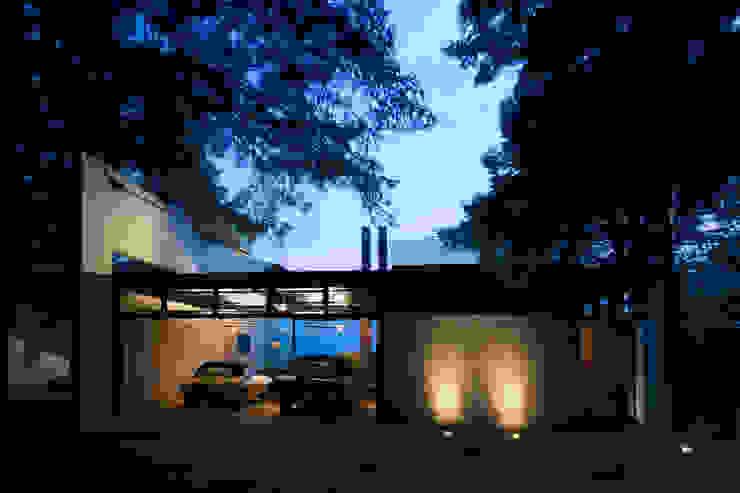 Toy-Box Estudios y oficinas minimalistas de grupoarquitectura Minimalista