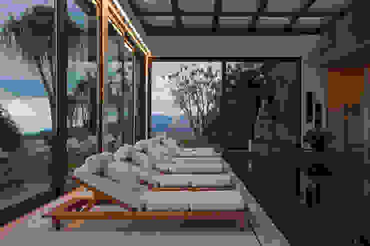 by Eduarda Corrêa Arquitetura & Interiores