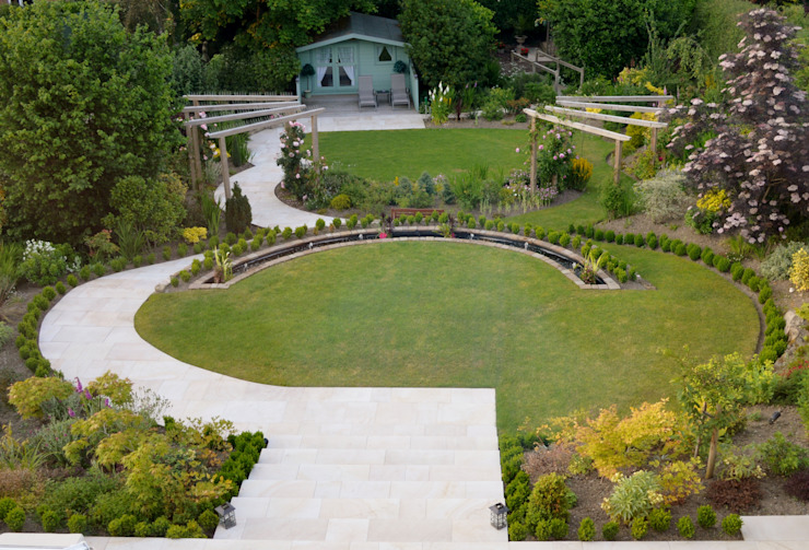 Traditional Garden Classic style garden by Unique Landscapes Classic