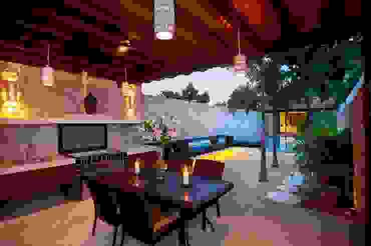 Terraza Balcones y terrazas de estilo mediterráneo de Taller Estilo Arquitectura Mediterráneo