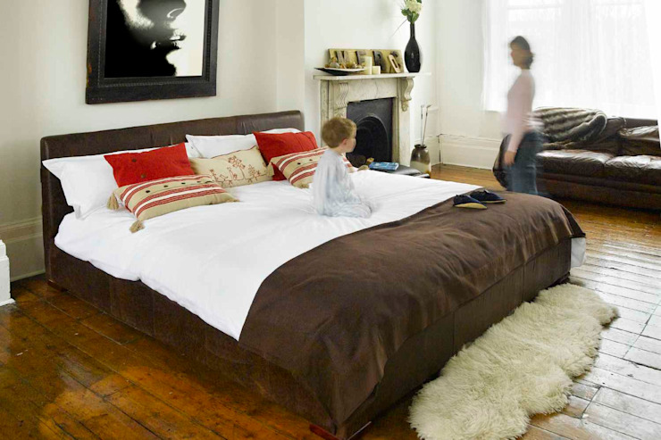Eloise Bed de The Big Bed Company Moderno
