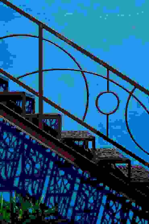 Escaleras Pasillos, vestíbulos y escaleras mediterráneos de Taller Estilo Arquitectura Mediterráneo