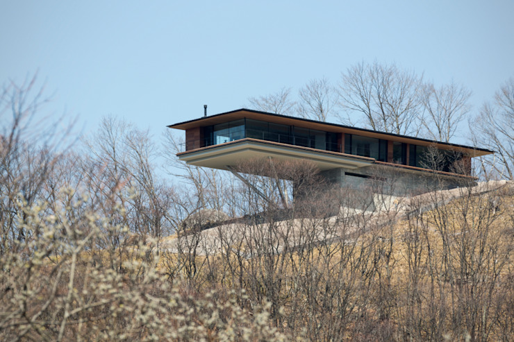 <House in Yatsugatake> Moderne Häuser von 城戸崎建築研究室 / KIDOSAKI ARCHITECTS STUDIO Modern