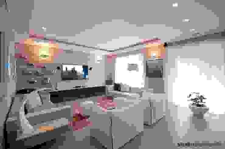 Casa Carilla - zona TV - home theatre Soggiorno moderno di studiodonizelli Moderno