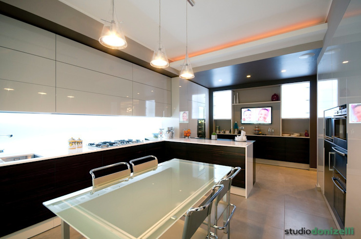 Casa Carilla - Cucina Cucina moderna di studiodonizelli Moderno