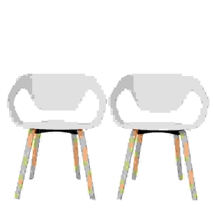 Chaise design scandinave Danwood par homify Moderne