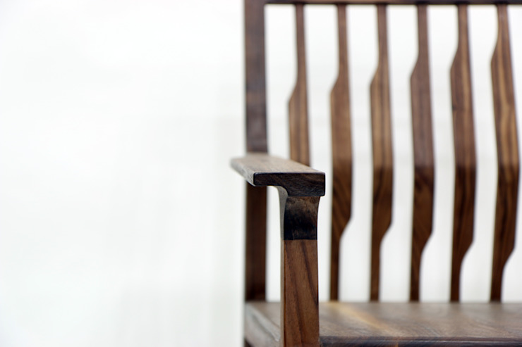 Kinetic Line_Arm Chair: ARTIZAC의 현대 ,모던