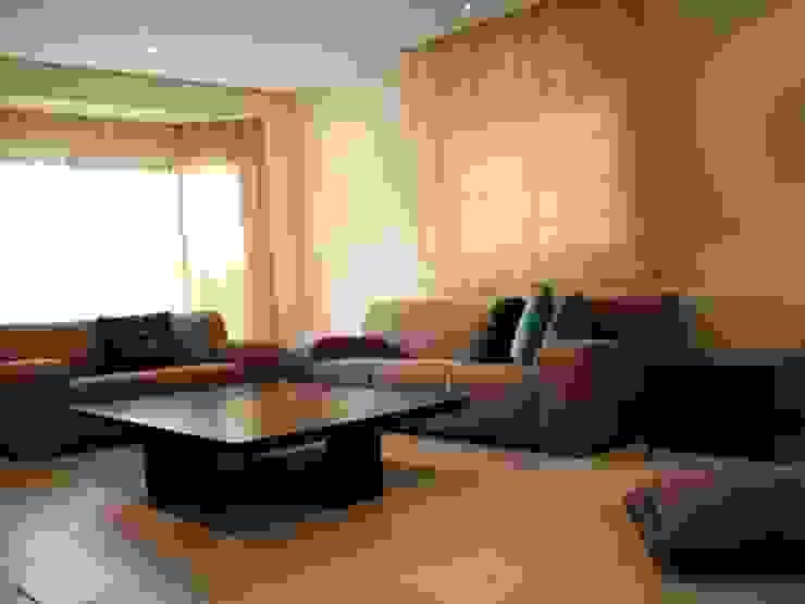 Moderne Wohnzimmer von Softlinedecor Modern