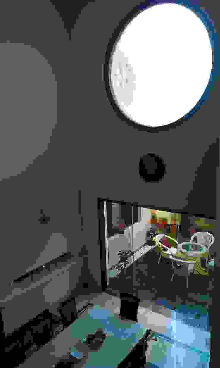 Residence M-35 Modern windows & doors by ArchiDes Modern