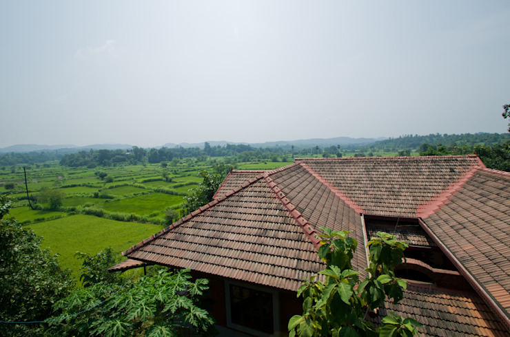 The view of the roof Rustic style houses by M+P Architects Collaborative Rustic