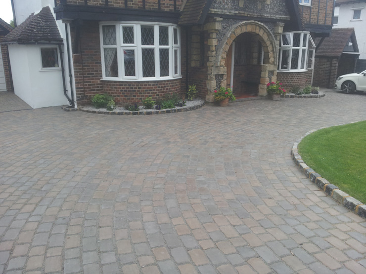 Driveway Epsom от D Plumridge Professional Driveway & Patio Construction Рустикальный