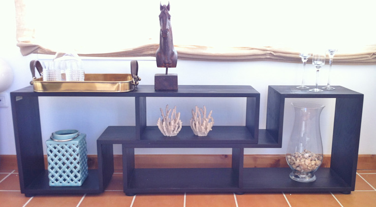 mueble auxiliar Casas de estilo clásico de Tatiana Doria, Diseño de interiores Clásico