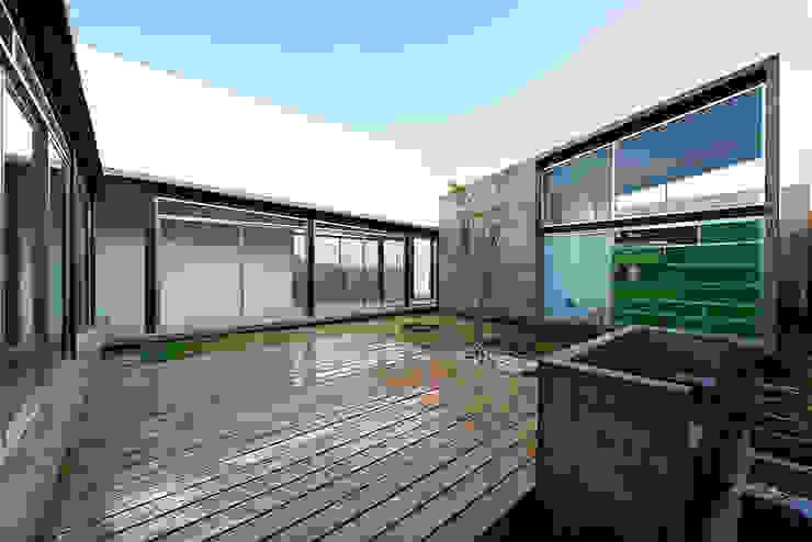 casa DAUZ Jardines modernos de NonWarp Moderno