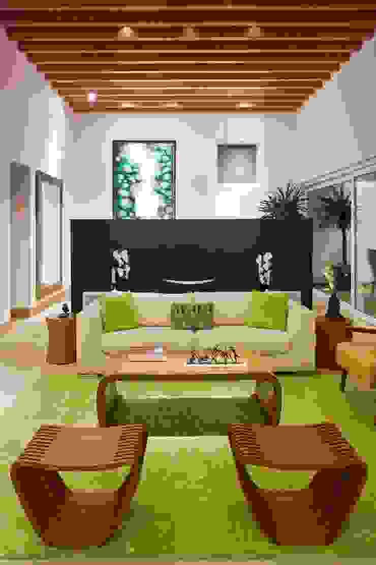 Modern Living Room by ARQUIPLAN Modern