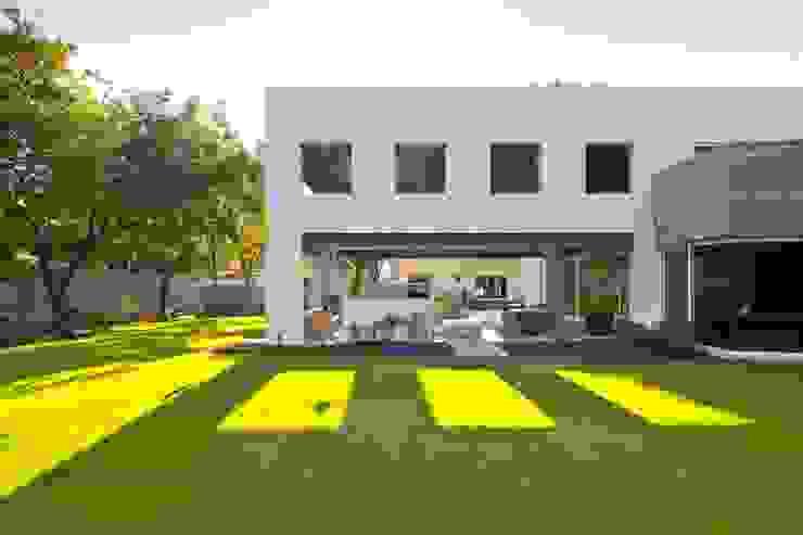 Zona de Jardín Jardines modernos de ARQUIPLAN Moderno