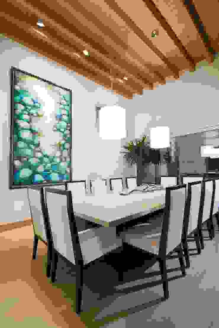 Modern Dining Room by ARQUIPLAN Modern Wood Wood effect