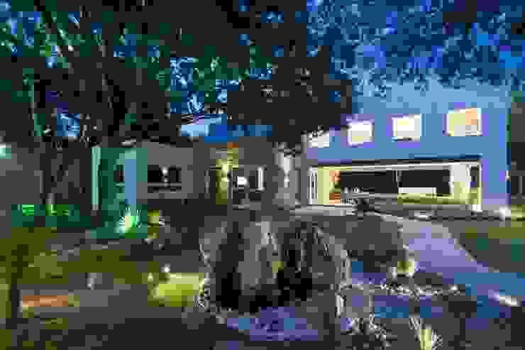 Jardín de ARQUIPLAN Moderno