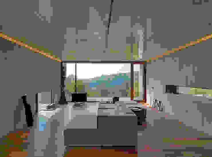 CASA Y Case in stile minimalista di FL Architetti Minimalista