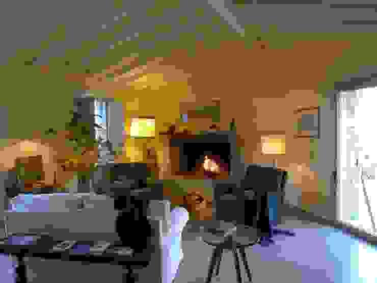 Una casa rivisitata nella campagna piacentina di Studio di architettura Aline D. Leroy Mediterraneo