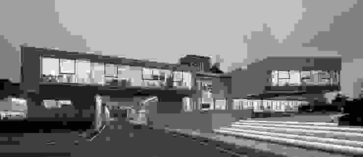 RAINBOW Imagination factory Case moderne di Studio Bianchi Architettura Moderno