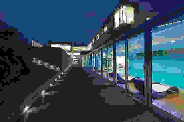 RAINBOW Imagination factory Piscina moderna di Studio Bianchi Architettura Moderno