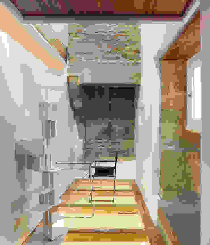 Rehabilitación de vivienda unifamiliar en el casco Histórico de Santiago de Compostela Casas de Ansedequintans Arquitectos