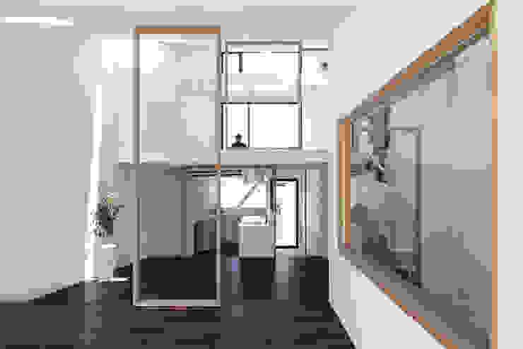 Maisons de style  par 佐々木勝敏建築設計事務所, Éclectique