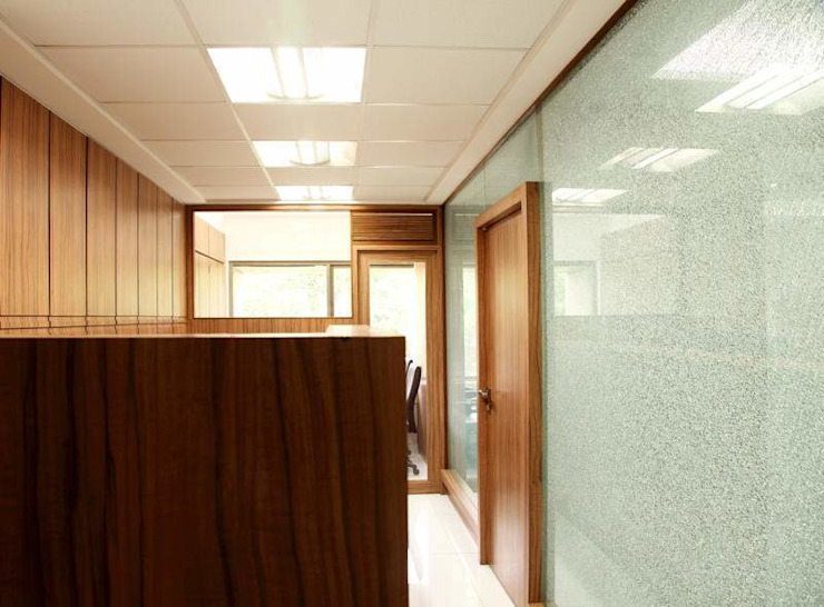 OLIVE HEALTHCARE - HEAD OFFICE: modern  by Marginn,Modern