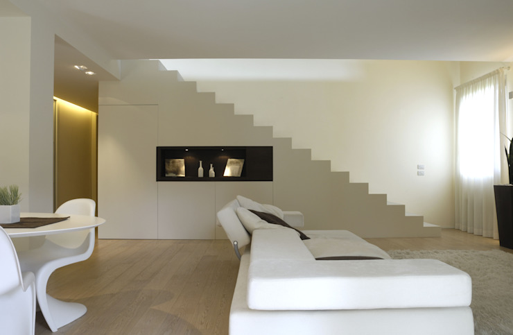 Minimalist house by Stefano Zaghini Architetto Minimalist