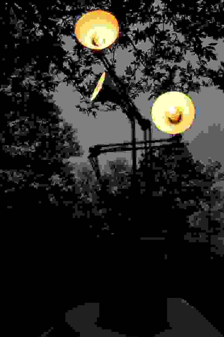 Tree arms - lampada albero di Design art Eclettico