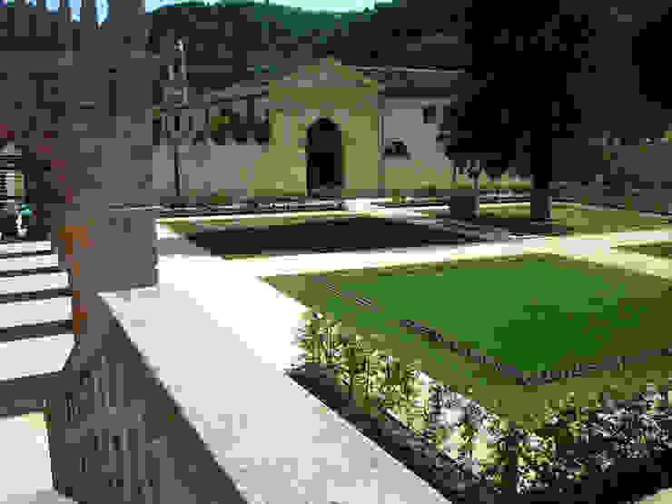 Le nostre realizzazioni: Villa Dei Vescovi Giardino classico di Dal Ben Giardini Classico