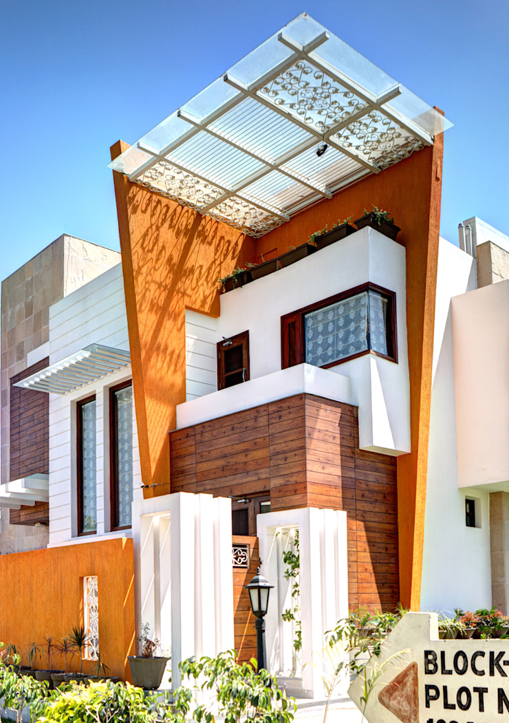 Front Corner Modern houses by Studio An-V-Thot Architects Pvt. Ltd. Modern
