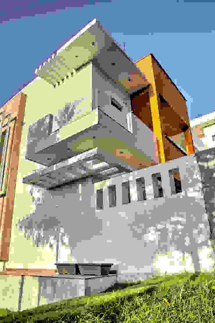 Rear Corner Modern houses by Studio An-V-Thot Architects Pvt. Ltd. Modern