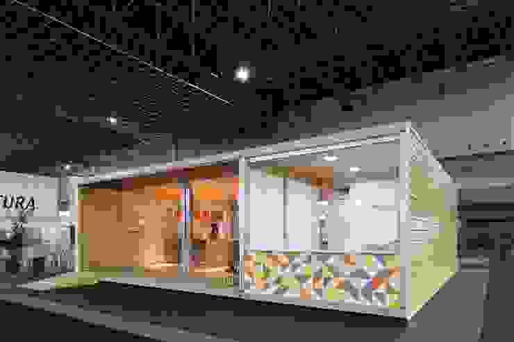 Fachada Casas tropicais por Haruf Arquitetura + Design Tropical