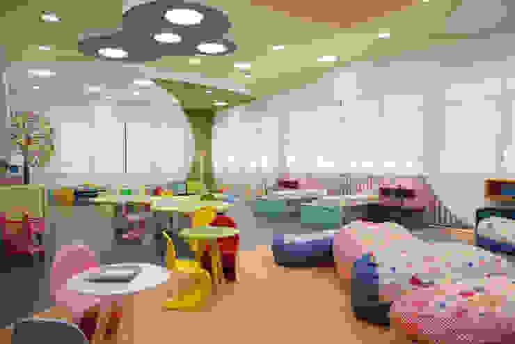 Playroom at school por Orlane Santos Arquitetura Eclético