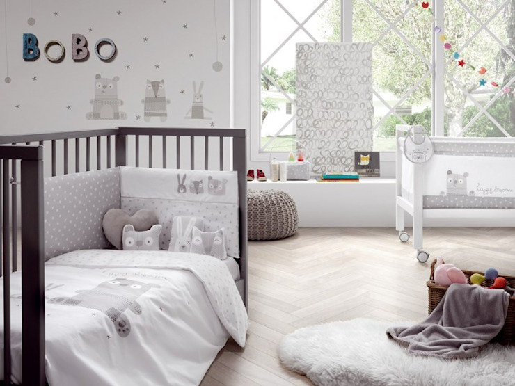Ropa para cuna y accesorios Bobo, de Petit Praia. Dormitorios infantiles de estilo moderno de Carmen homify Moderno
