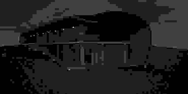 Conoor House Modern houses by Studio Lotus Modern