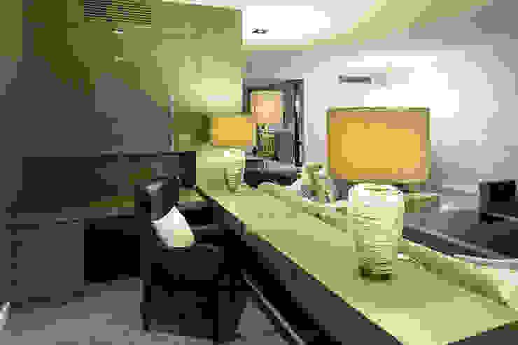 Interiorismo vivienda Salones de estilo moderno de Isa de Luca Moderno