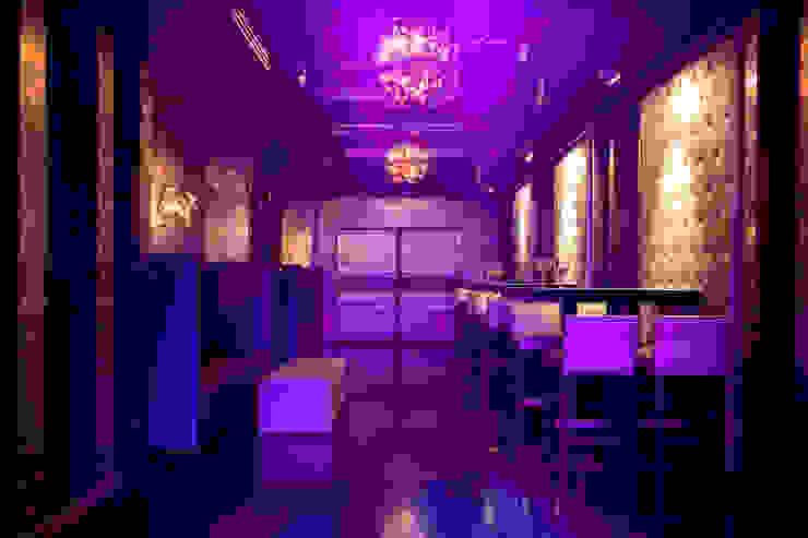 Interiorismo para Sutton Club Barcelona Bares y clubs de estilo moderno de Isa de Luca Moderno