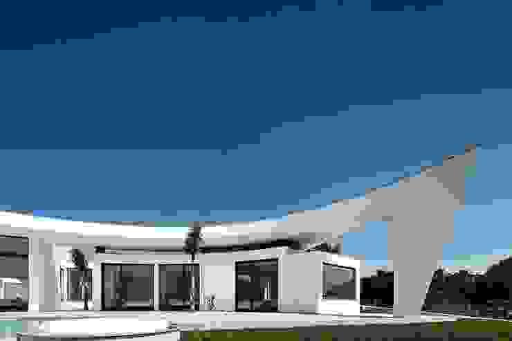 Nowoczesne domy od Reflexões Contemporary Design Nowoczesny