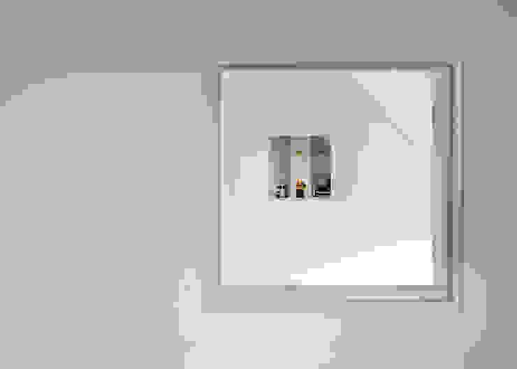 Long Crendon Skandynawskie okna i drzwi od MailenDesign Skandynawski