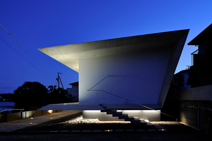 Beach House i モダンな 家 の 山森隆司建築設計事務所 / Yamamori Architect & Associates モダン